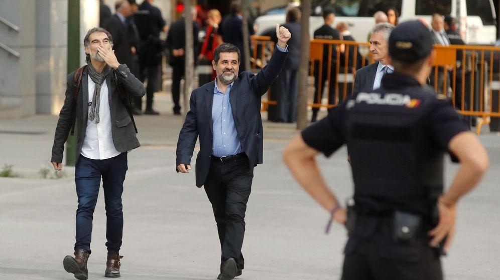 Foto: Jordi Sànchez (d) y Jordi Cuixart (i), antes de su declaración. (EFE)
