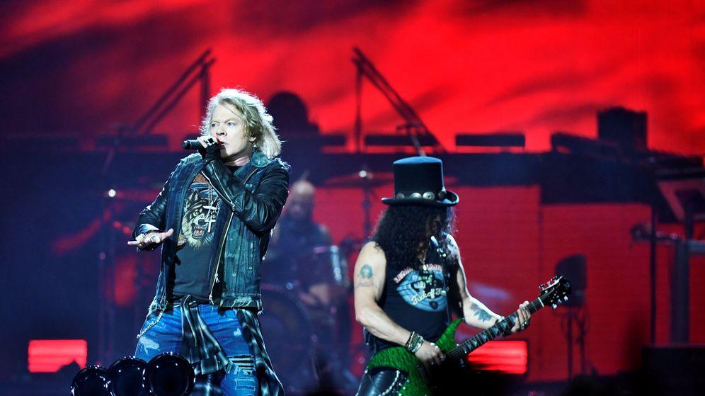 Foto: Axl Rose y Slash, durante un concierto de Guns N' Roses. (Reuters)
