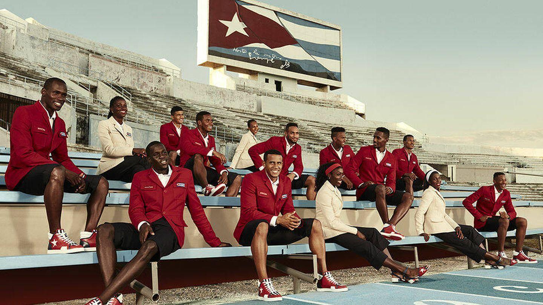 Foto oficial de la colección de Christian Louboutin para Cuba. (Cortesía)