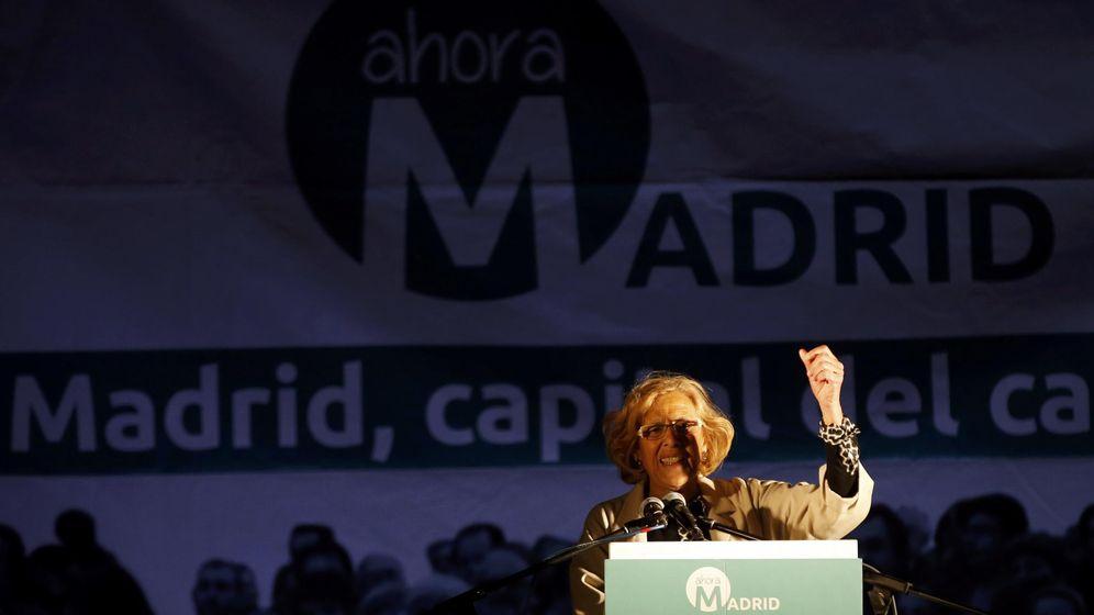 Foto: Manuela Carmena durante la noche electoral de las pasadas elecciones celebrando los resultados. (Reuters)
