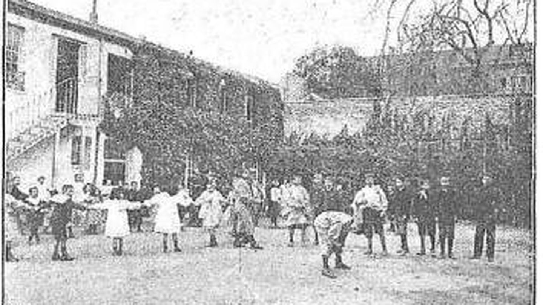 La hora del recreo en la Institución Libre de Enseñanza. (Wikimedia Commons)