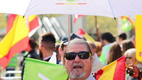 Última hora del acto de Vox en Barcelona | Los Mossos impiden la entrada a los CDR