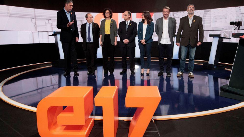 Foto: Los candidatos a la presidencia de la Generalitat en el último debate antes del 21-D. (EFE)