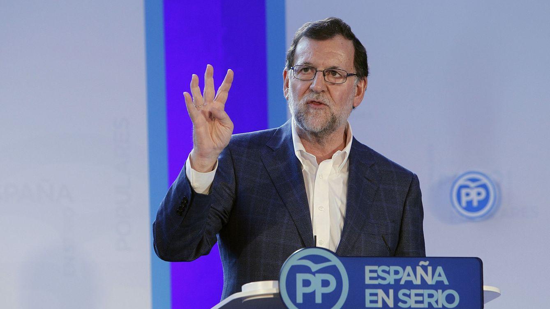 Rajoy evita hablar de Soria en su primera aparición pública tras la dimisión