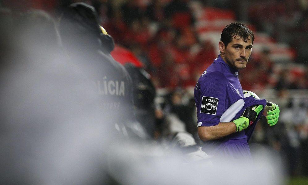 Foto: La temporada de Iker Casillas no está convenciendo a los directivos del Porto, empezando por su presidente (Cordon Press)