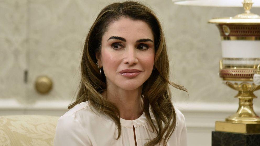 Rania de Jordania lo vuelve a conseguir: perfecta hasta para visitar unas obras