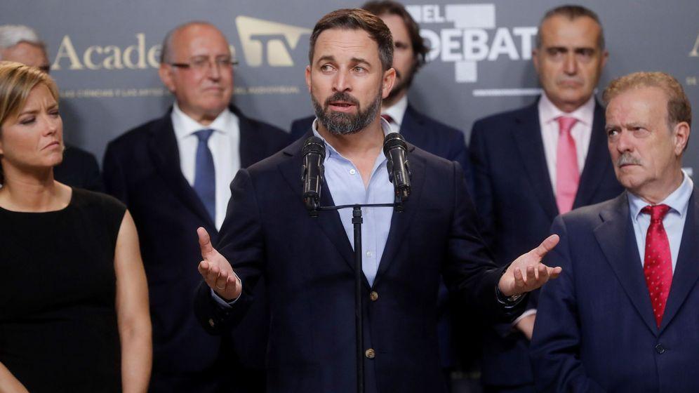 Foto: El candidato de Vox, Santiago Abascal, al finalizar el debate electoral. (EFE)