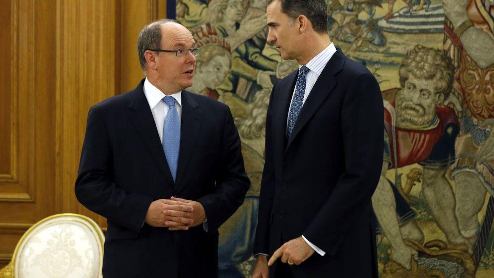 Alberto de Mónaco se reúne con Felipe  mientras Letizia se marca un 'Charlène'