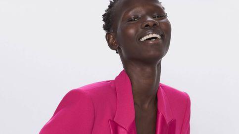 Zara confirma el regreso del 'traje alegre' para ir al trabajo con su nueva colección