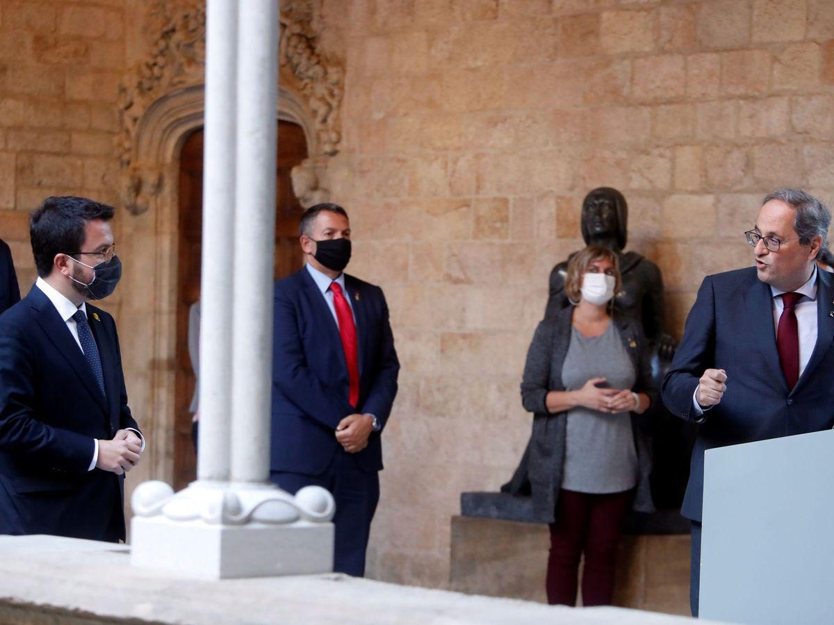 Foto: El ya expresidente de la Generalitat, Quim Torra (d) y su entonces vicepresidente, Pere Aragonés. (EFE)