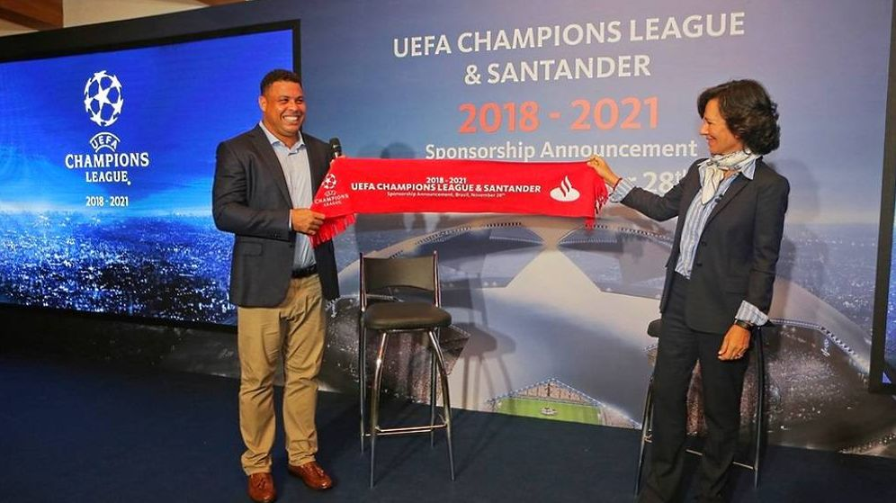 Foto: Ana Patricia Botín junto a Ronaldo Nazario. (UEFA)