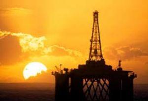 Los precios del crudo, en tensión por la violencia en Libia