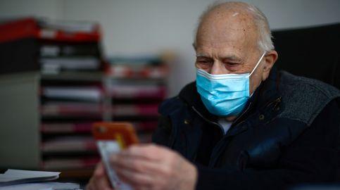 El 'doctor pandemia': el médico que lucha contra el coronavirus... a sus 98 años