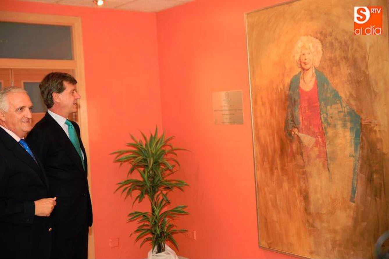 Cayetano mart nez de irujo con su novia en el homenaje a for Piscina climatizada campo de tiro salamanca