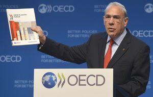 La OCDE insiste en que España debe bajar las cotizaciones