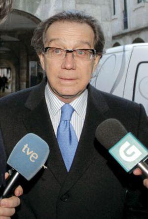 José Luis Méndez sale de Caixa Galicia después de 29 años como director general