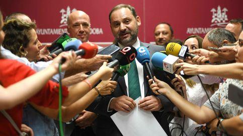 Ábalos critica que Ana Pastor haya dado un paso inaudito en la democracia
