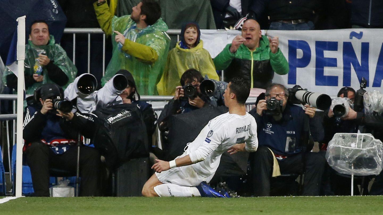 Cámaras en un partido en el Bernabéu. (Reuters)