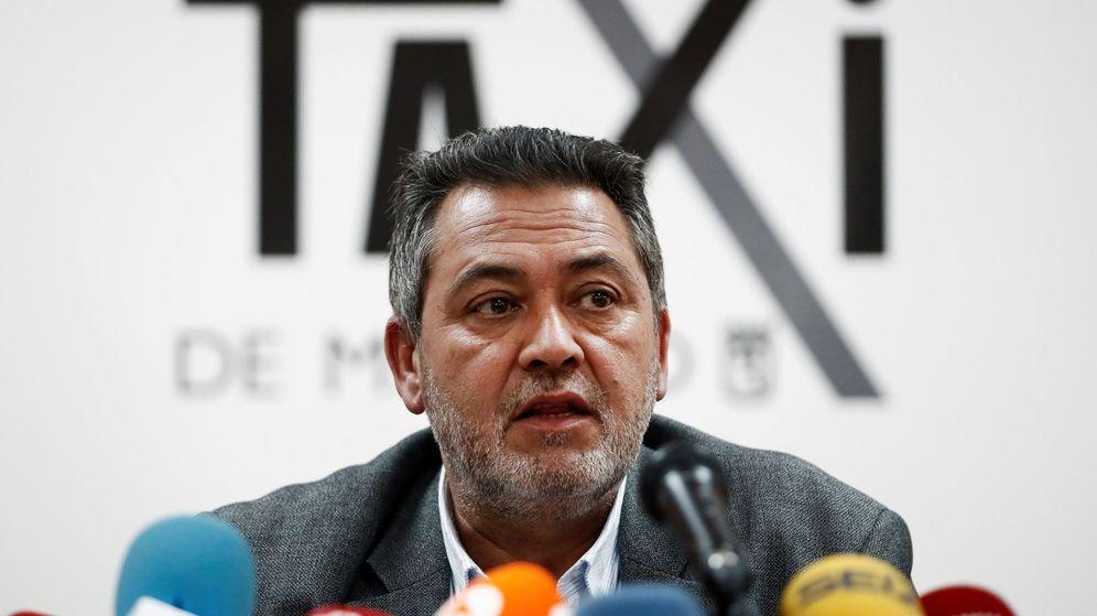 Foto:  El portavoz de la Federación del Taxi, Julio Sanz. (EFE)