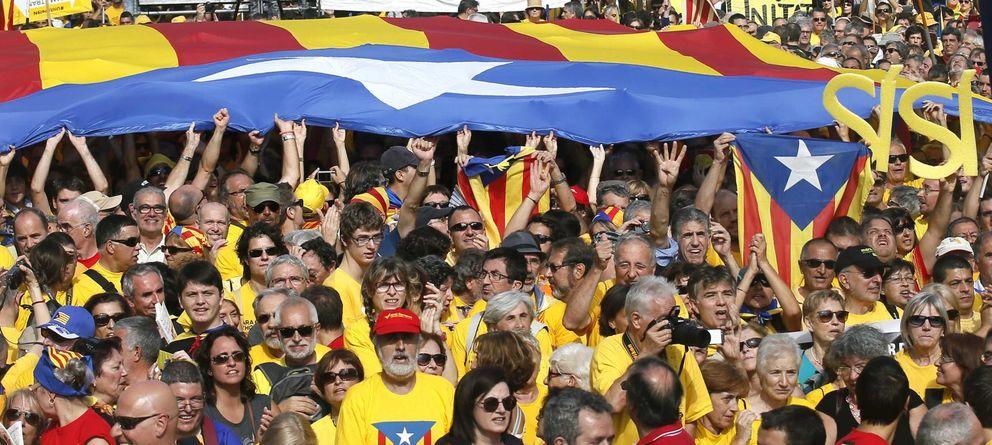 Foto: Manifestantes pro independentistas en una protesta a favor de la consulta catalana (Reuters)