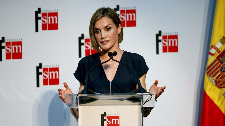 Foto: Doña Letizia durante el acto de entrega de los premios El Barco de Vapor y Gran Angular (EFE)