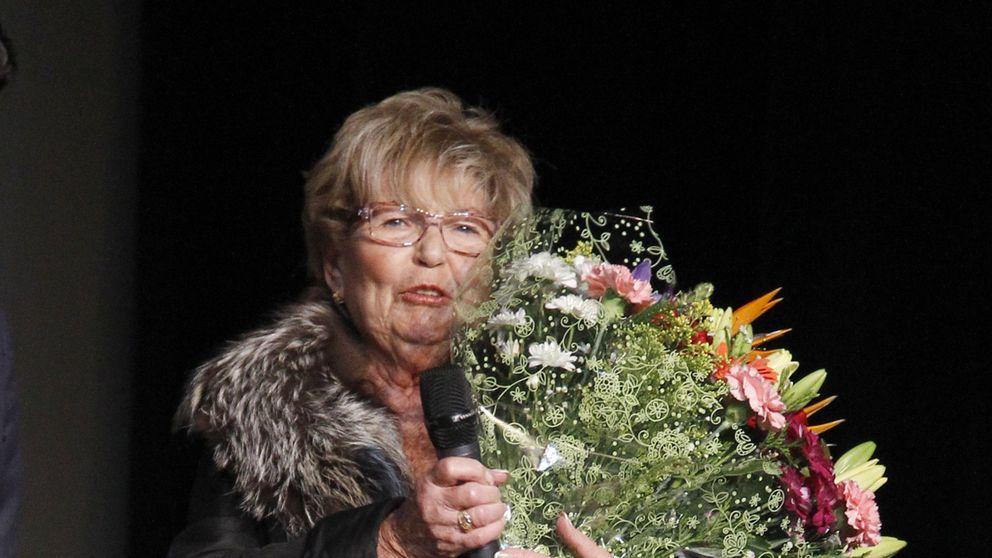 La viuda de Manolo Escobar, emocionada en el concierto homenaje al artista