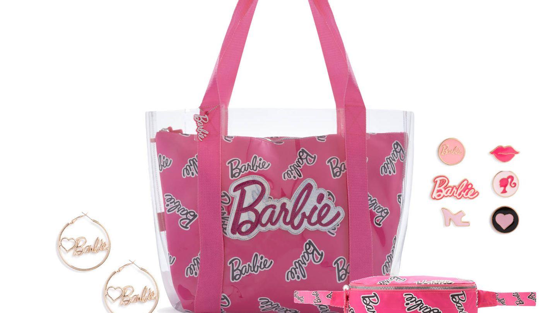Shopper, riñonera, pines y pendientes de la colección Barbie de Primark.