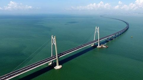 El puente marítimo más largo del mundo 'made in China' hace agua
