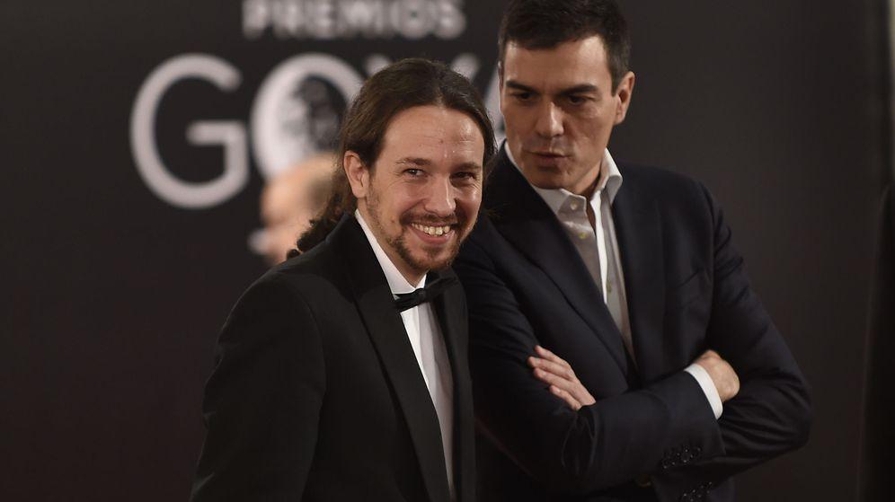 Foto: Pablo Iglesias y Pedro Sánchez en los Goya (Efe)