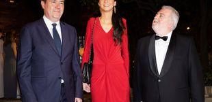Post de Victoria Federica impresiona en Sevilla con un look de largo en rojo