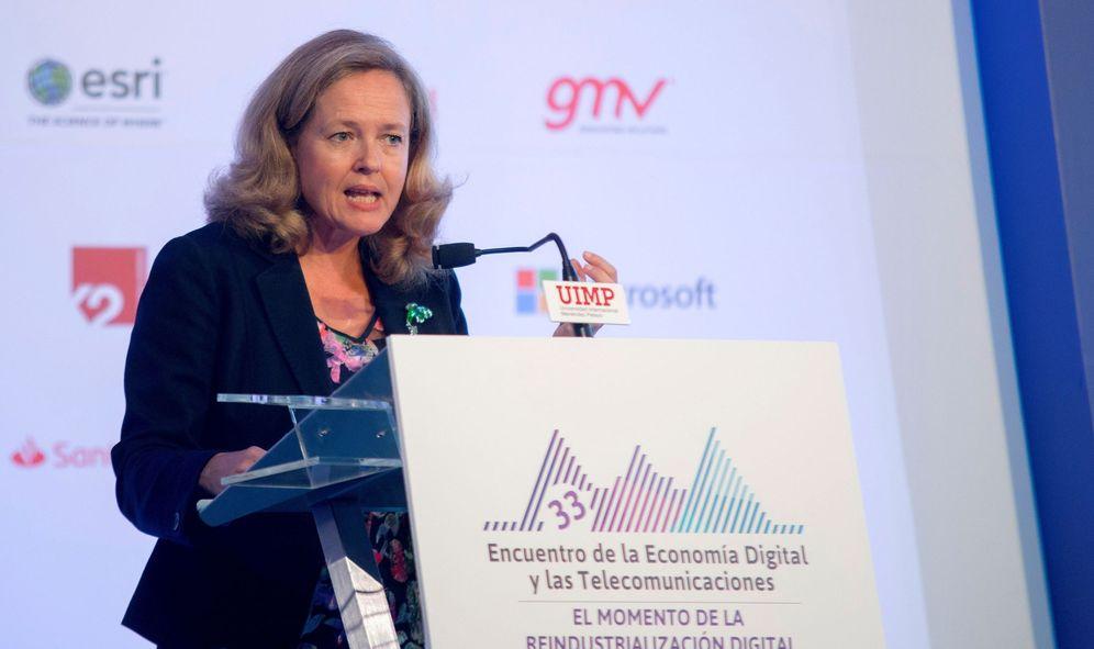 Foto: La ministra de Economía y Empresa en funciones, Nadia Calviño, durante la inauguración inauguración del 33º del Encuentro de la Economía Digital y las Telecomunicaciones, hoy en la UIMP en Santander. (EFE)