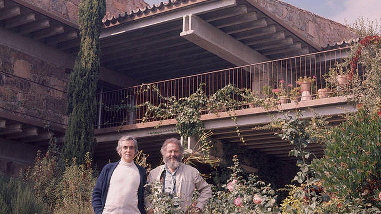 Fernando Higueras junto al pintor Manuel López Villaseñor, en Torrelodones, 1966 (Fundación Fernando Higueras)