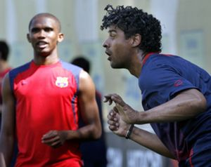 Laporta garantiza la continuidad de Rijkaard, Ronaldinho y Eto'o