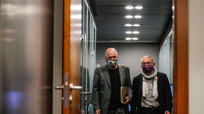 El secretario general de UGT, José María Álvarez (d), y el secretario general de CCOO, Unai Sordo. (EFE)