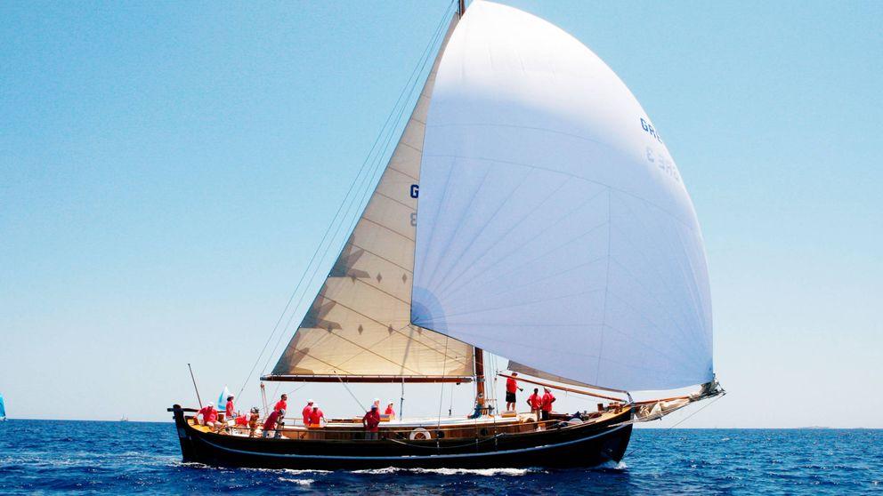 Así es el Afroessa, el barco que guarda los secretos estivales de la familia real griega