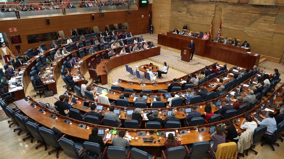 Foto: Pleno de la Asamblea de la Comunidad de Madrid: su Gobierno es 'líder' en contatación menor.