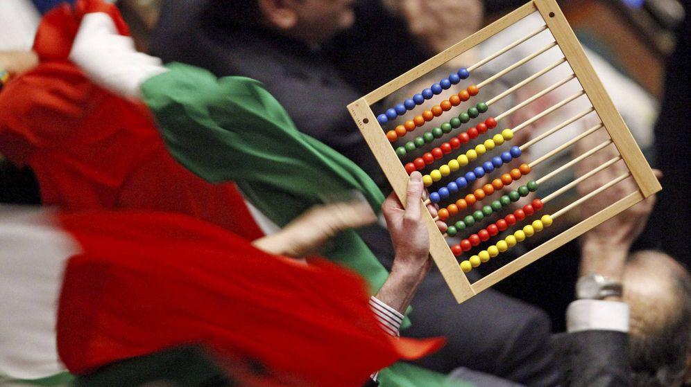 Foto: Los participantes sólo podían utilizar un ábaco para hacer sus operaciones (EFE/Alessandro Di meo)