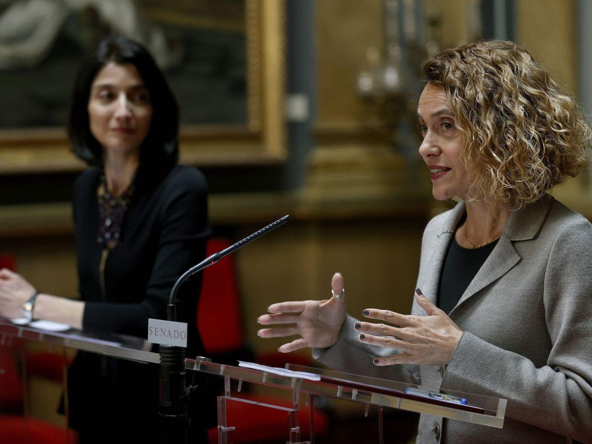 Foto: La presidenta del Senado, Pilar Llop (i) y la del Congreso, Meritxell Batet (d). (EFE)