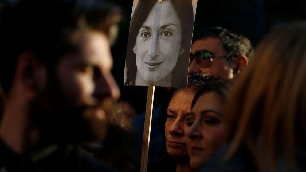 Foto: Protesta frente al juzgado en La Valletta, Malta, por el asesinato de Caruana Galizia (Reuters)