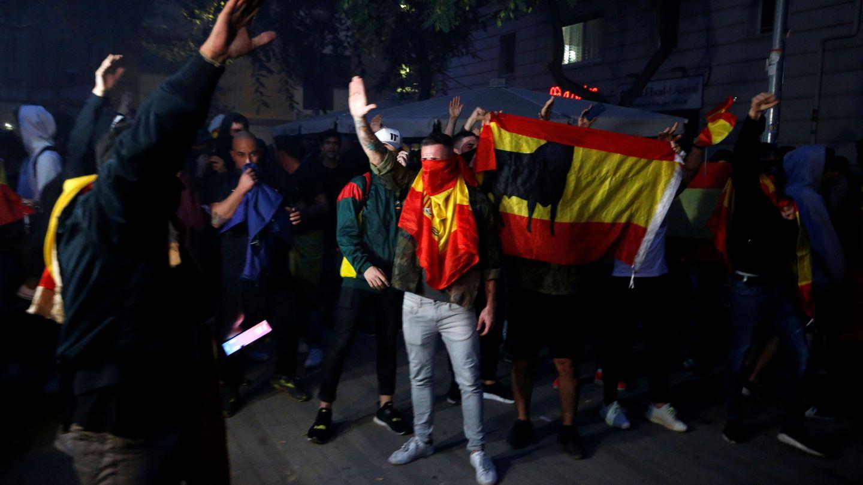 Grupos de extrema derecha se manifiestan en Barcelona. (Reuters)
