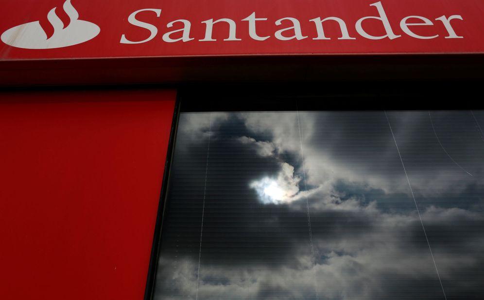 Foto: Banco Santander ha encargado a Credit Suisse la venta de 5.000 millones.