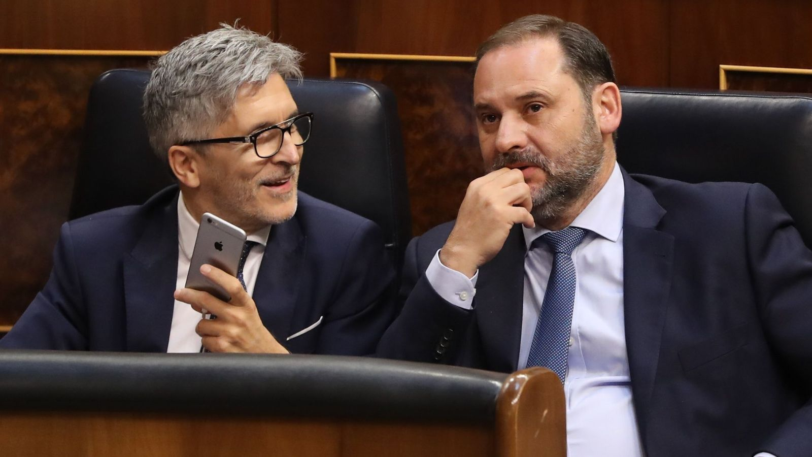 Foto: El ministro del Interior, Fernando Grande-Marlaska (i), y el ministro de Fomento, José Luis Abalos (d). Foto: EFE.