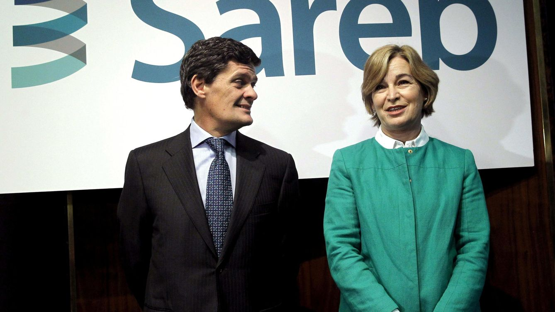 Foto: Jaime Echegoyen, presidente de Sareb junto a la expresidenta Belén Romana en una imagen de archivo (EFE)