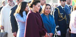 Post de La reina Letizia, rodeada de las cinco mujeres de la corte alauí a su llegada a Rabat