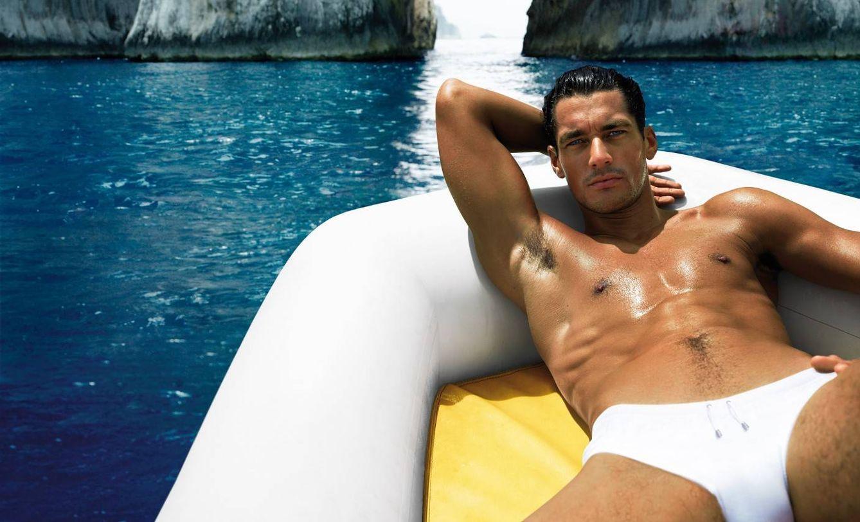 Foto: El modelo David Gandy como imagen del perfume Light Blue de Dolce and Gabbana