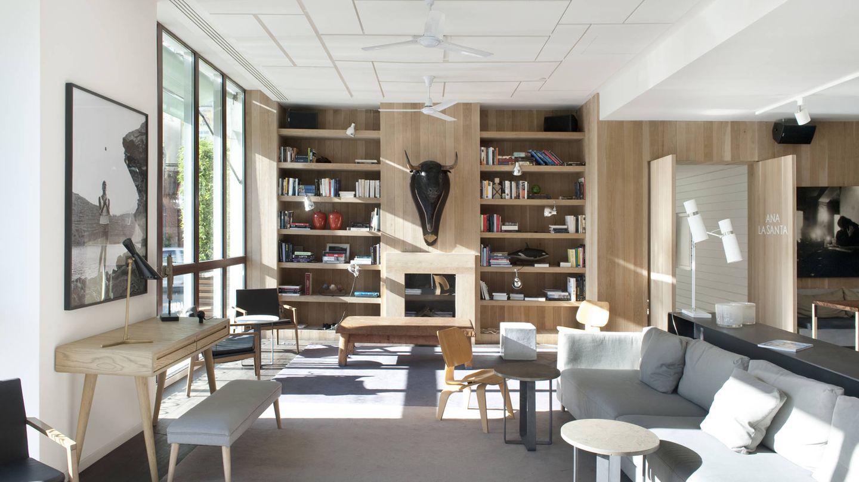 Parece el salón de una casa de diseño, pero lo es de un restaurante: Ana la Santa.