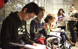6 de cada 10 estudiantes de bachillerato creen que en 2025 trabajarán en el extranjero