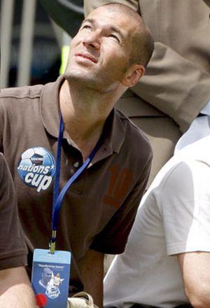 Dopaje, ingresos, arrepentimiento... se descubre la polémica biografía de Zidane