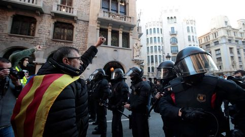 Vídeo: los Mossos comienzan a cargar contra varios CDR en Barcelona