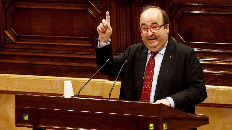 Miquel Iceta interviene en el Parlament. (EFE)